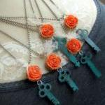 Vintage Key Necklace - Salv..
